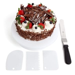 Rotating Cake Turntable Decorating Kit by Benir Review